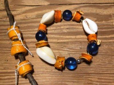 biżuteria z suszonych skórek pomarańczy