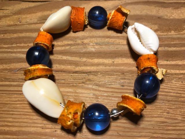 bransoletka z suszonych skórek pomarańczy
