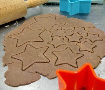 Wypieki pachnące korzennymi przyprawami – warsztaty kulinarne dla dzieci