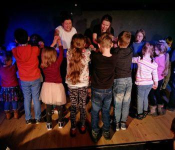 Noworoczny improwizowany spektakl dla dzieci