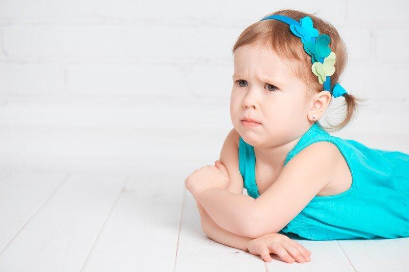 bunt dwulatka dziewczynka