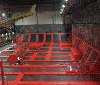 hangar 646 gocław trampoliny