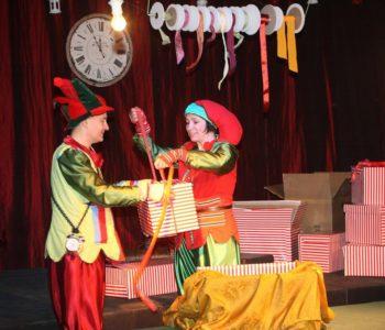 Elfy i fabryka prezentów - spektakl familiny