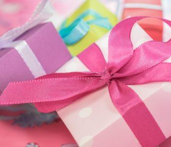 Ozdobne pakowanie prezentów na Dzień Babci i Dziadka - warsztaty