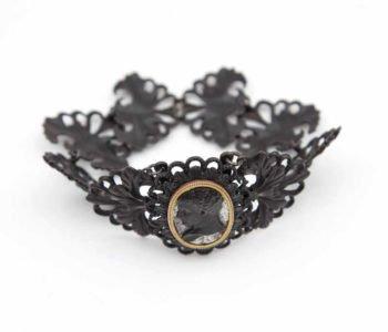 Mały muzealnik: Żeliwna biżuteria królowej Luizy. Gliwice