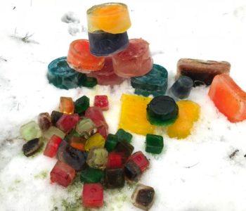 Klocki z kolorowego lodu – zabawa z lodem