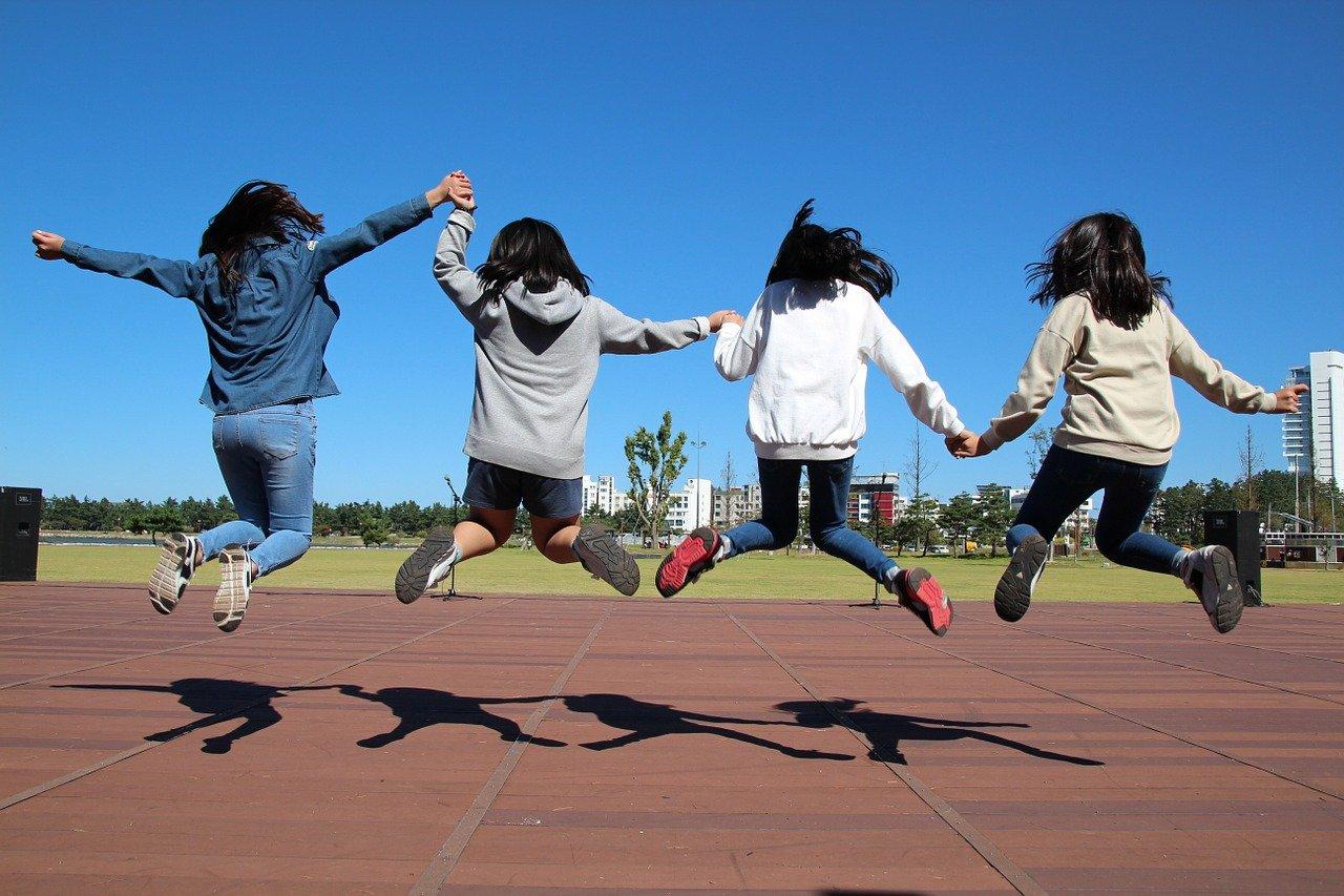 Ekipa Dobra - Młodzieżowe Centrum Wolontariatu w ARTzonie