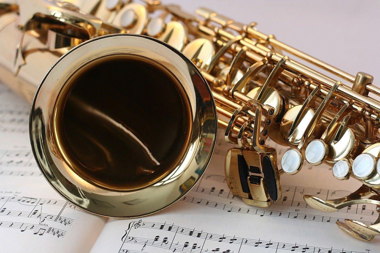 Poranki Muzyczne w Wejherowie: Jazzowy Big-Band w muzycznych akrobacjach