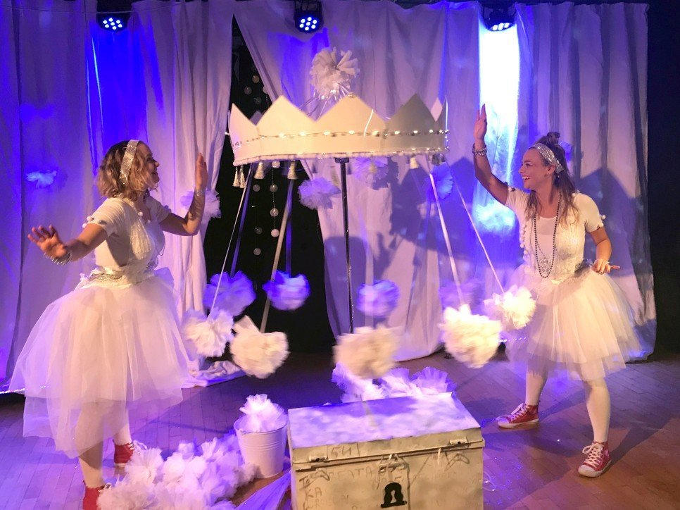 Śnieżny show w Teatrze Maskarada