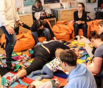 Muzealne zmysły: Wczesna opieka i pielęgnacja niemowlęcia