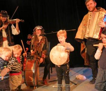 Koncert Wowakin Trio z obrzędami i zabawami noworocznymi