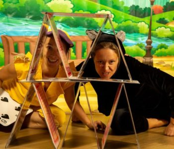 Teatr Ptasie Melodie: Niebrzydkie Kaczątko i magiczna szafa