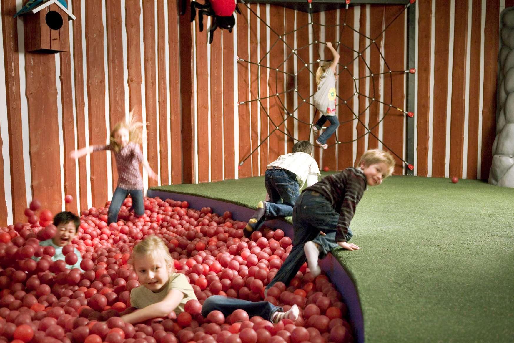 Warsztaty w Czarodziejskim Lesie, czyli ferie w IKEA Katowice