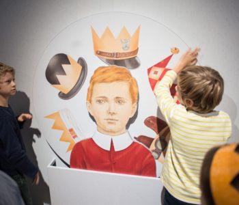 Poranne ptaszki – zwiedzanie wystawy czasowej dla rodzin z dziećmi z autyzmem
