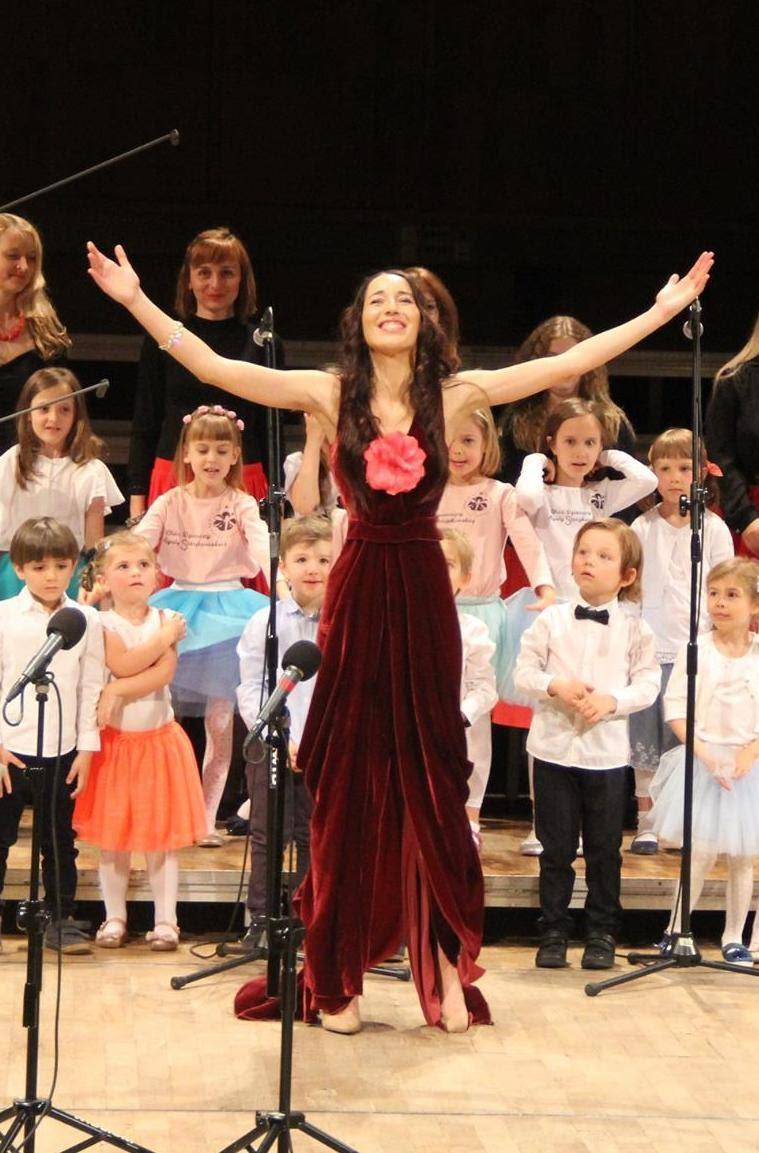 b77137ef01f0de Koncert nie tylko dla dzieci: Śpiewajmy z Agatą Steczkowską. Piosenki  filmowe