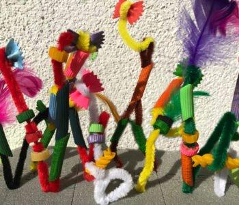 Szalone postacie z kolorowego makaronu