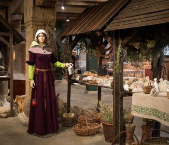 Warsztaty piernikarskie w ramach wydarzenia Średniowieczny dzień w Muzeum Archeologicznym