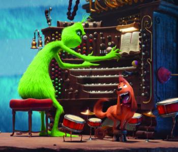 Grinch gra na pianinie