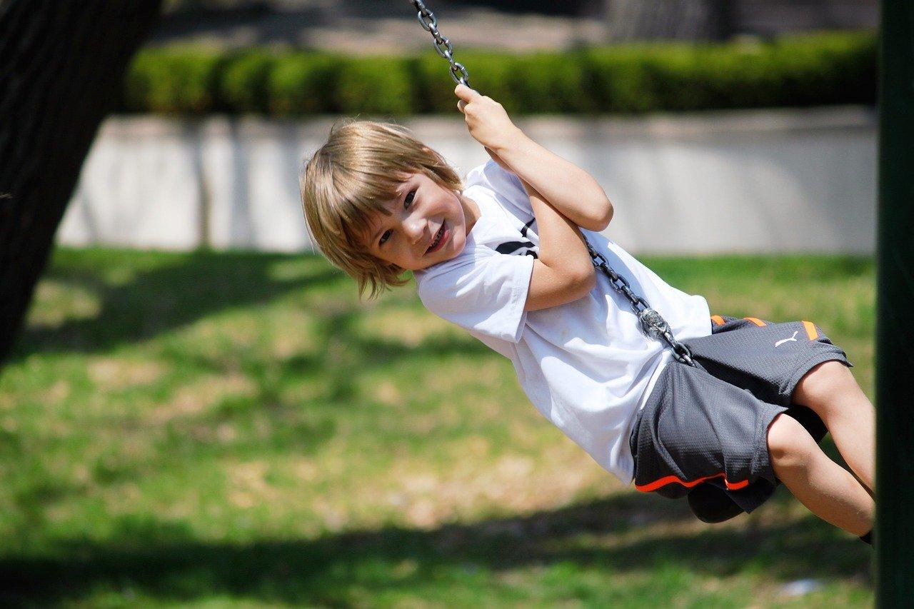 Konkurs wiosenny! Wygraj huśtawkę ogrodową dla dziecka