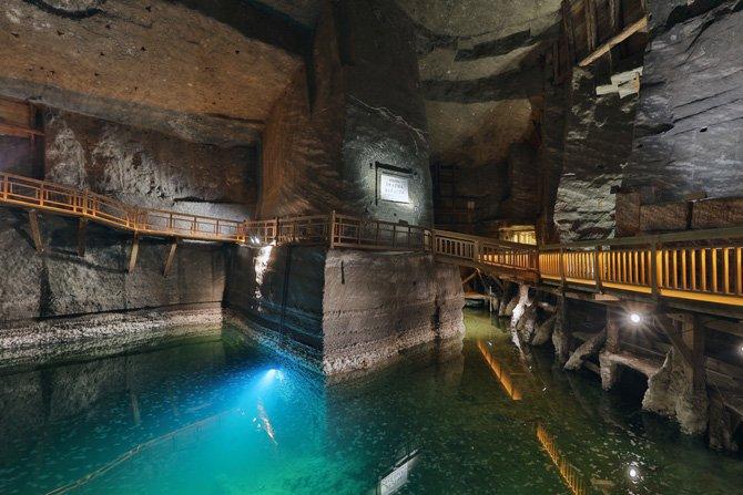 Długi weekend w Wieliczce. Zarezerwuj zwiedzanie kopalni z noclegiem pod ziemią!