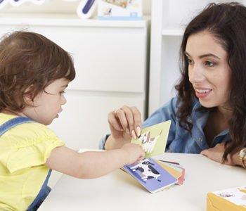 Zu&Berry mama bawi się z dzieckiem