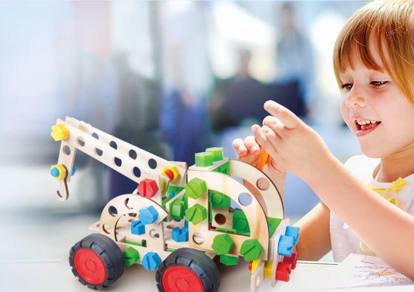 Odpowiedz na pytanie i wygraj zabawkę Mały Konstruktor Junior