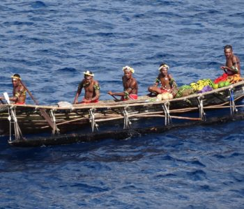 Leniwa niedziela z… Papuasami