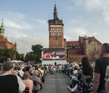 Opera uwolniona na gdańskich przedprożach oraz Paria na Targu Węglowym