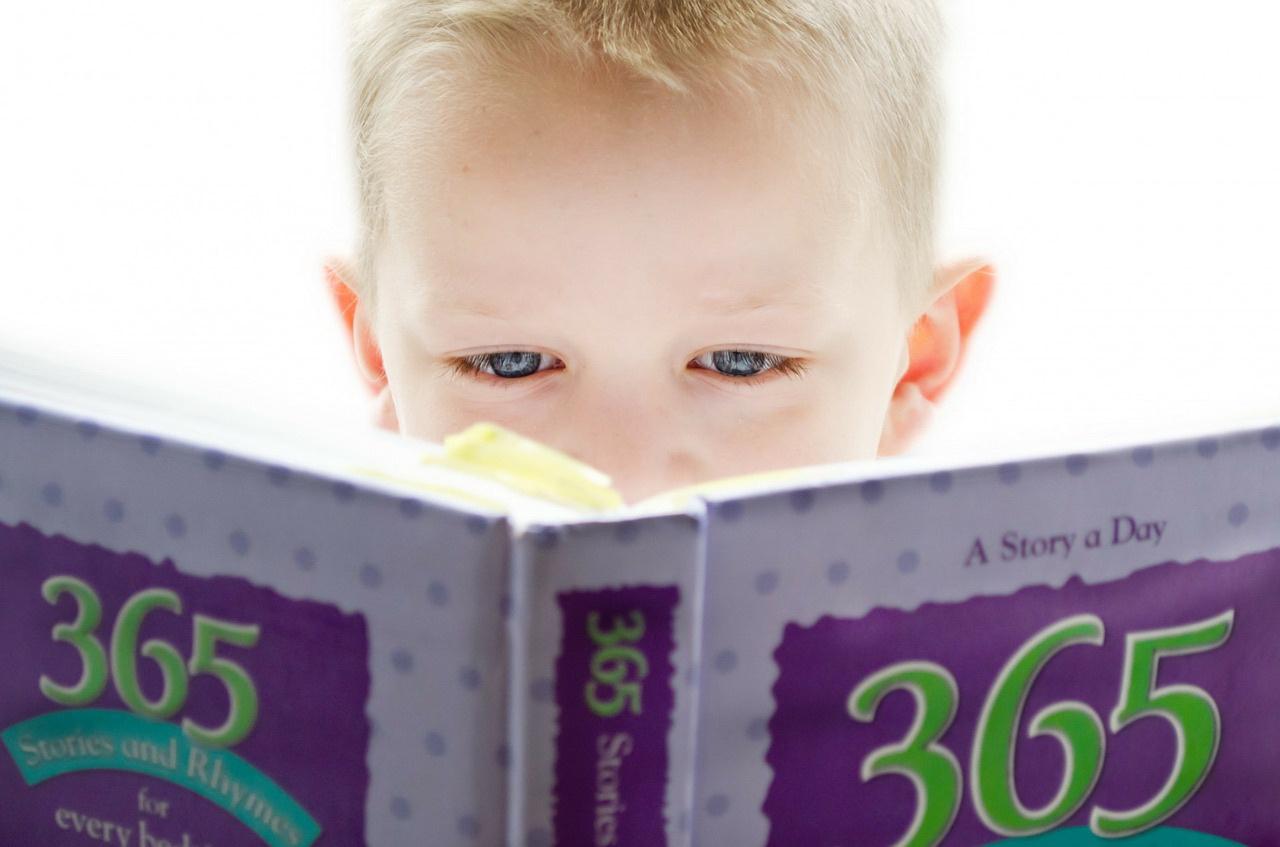 Zagadki dla dzieci o bajkach i bajkowych bohaterach. Krótkie zgadywanki z odpowiedziami