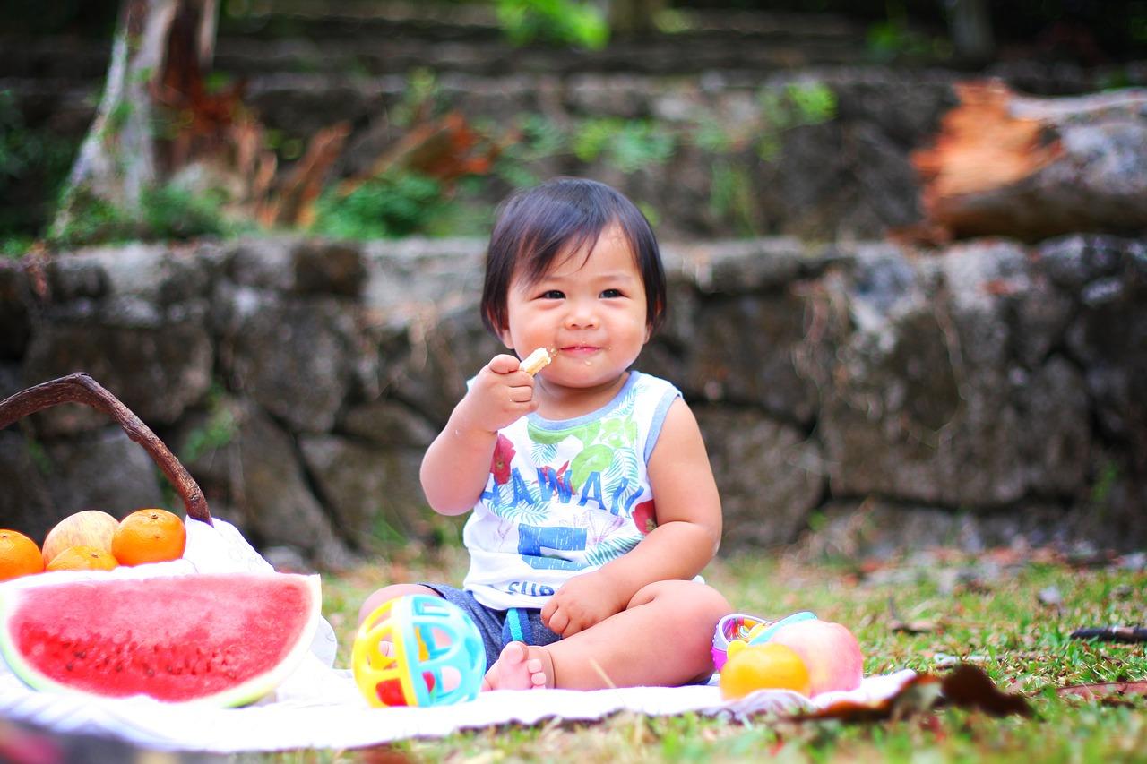 Tabela żywienia niemowląt – czy wciąż istnieje?