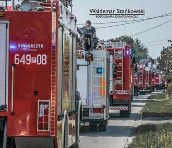 II Ogólnopolski Zlot Czerwonych Samochodów w Poznaniu
