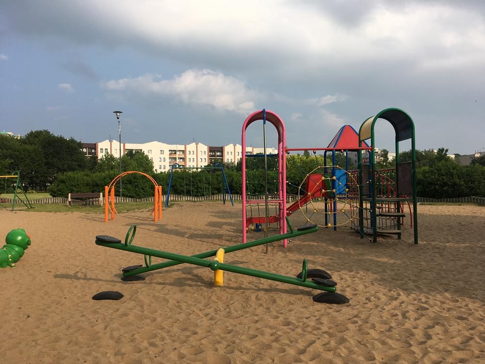 9) Plac zabaw w Parku Jana Pawła II