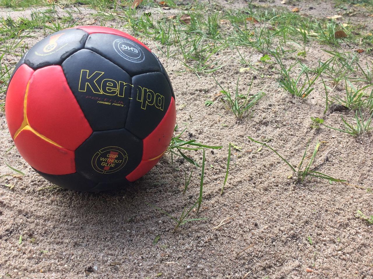 Piłka ręczna na plaży