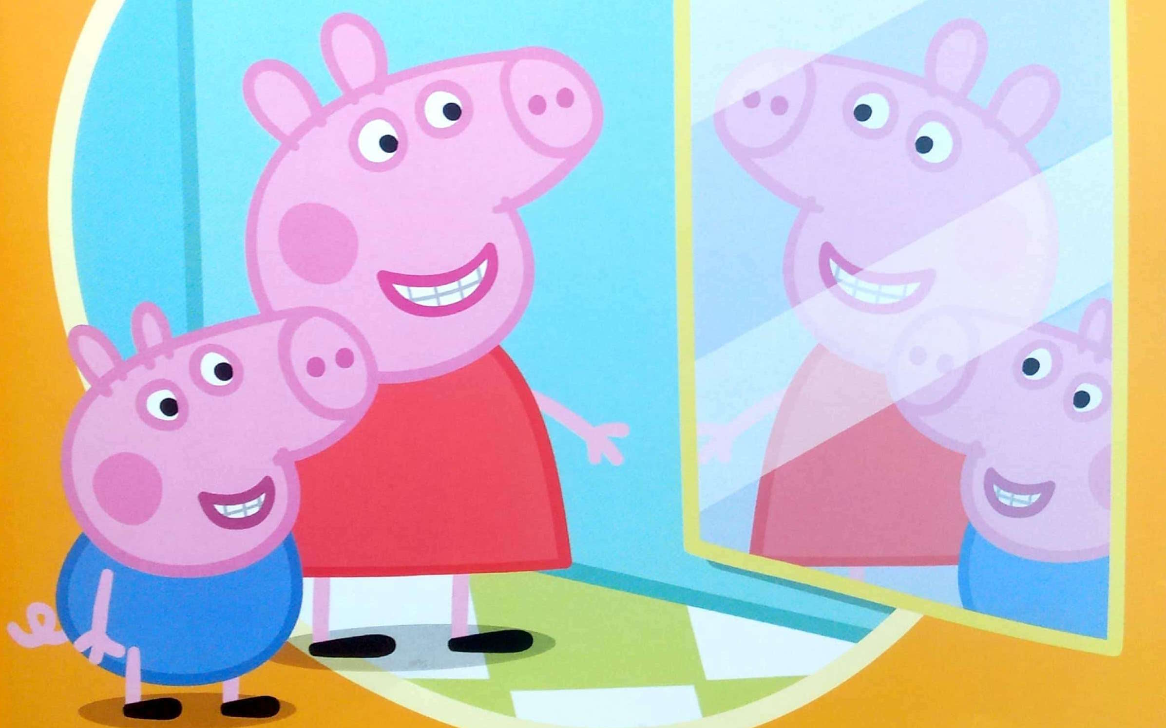 Świnka Peppa przegląda się w lustrze