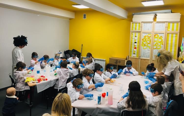 Pierwsze warsztaty w Laboratorium Młodych Chemików