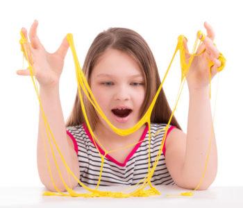 Warsztaty sensoryczne – Slime i Gluty!