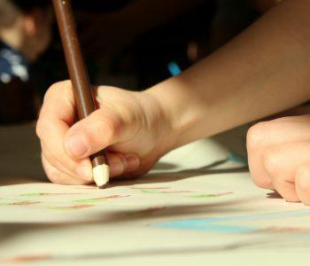 Rękołaki – zajęcia plastyczno-manualne dla przedszkolaków