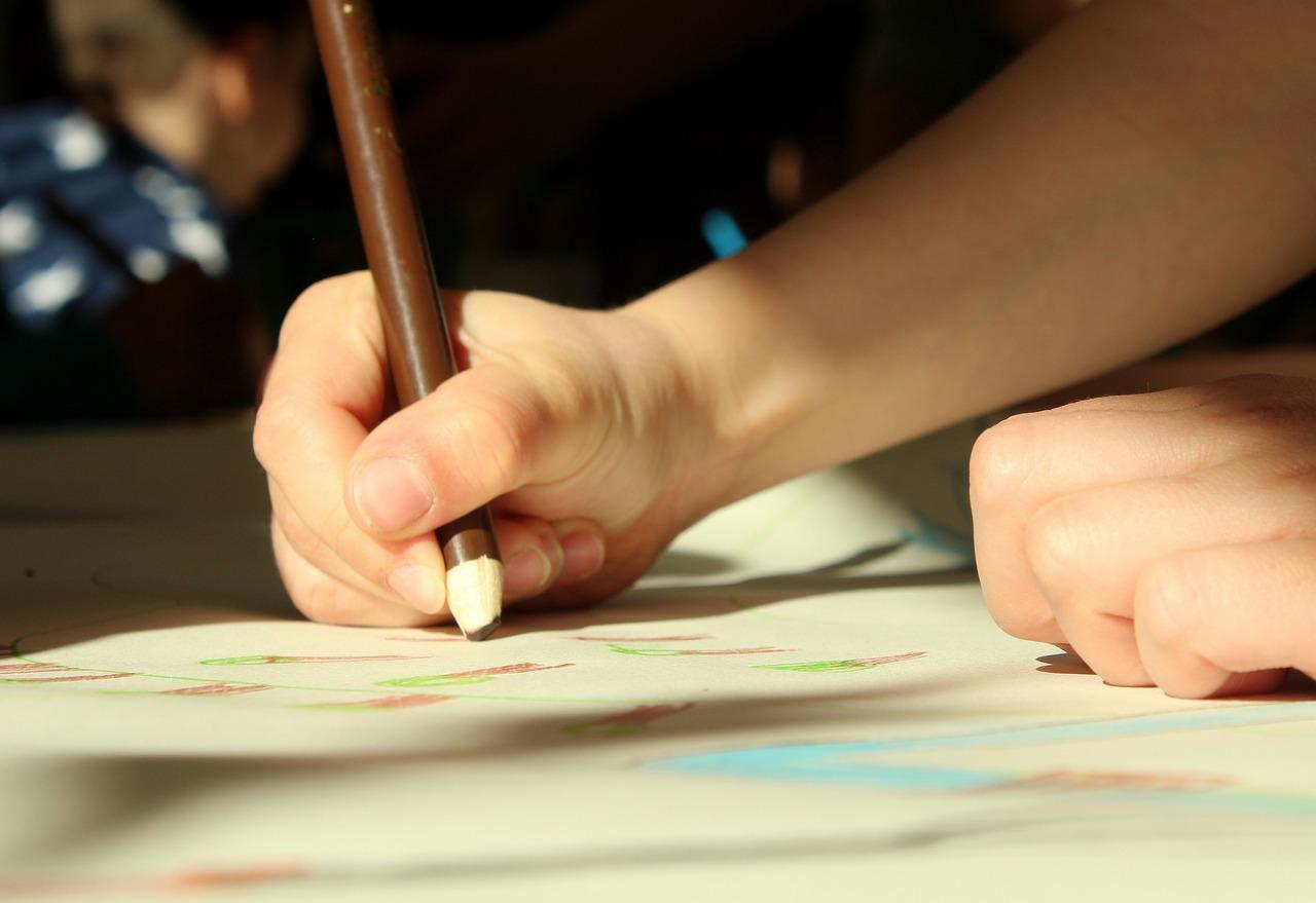 Rękołaki - zajęcia plastyczno-manualne dla przedszkolaków