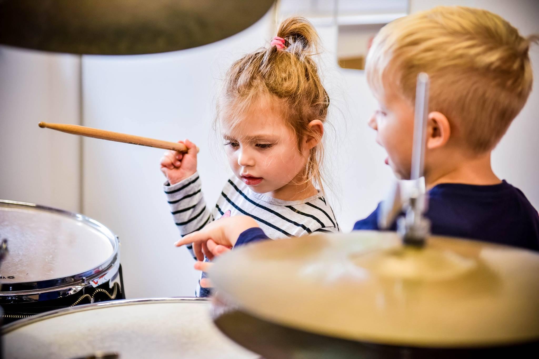 Grupowe zajęcia perkusyjne dla dzieci przedszkolnych (3-5 lat)