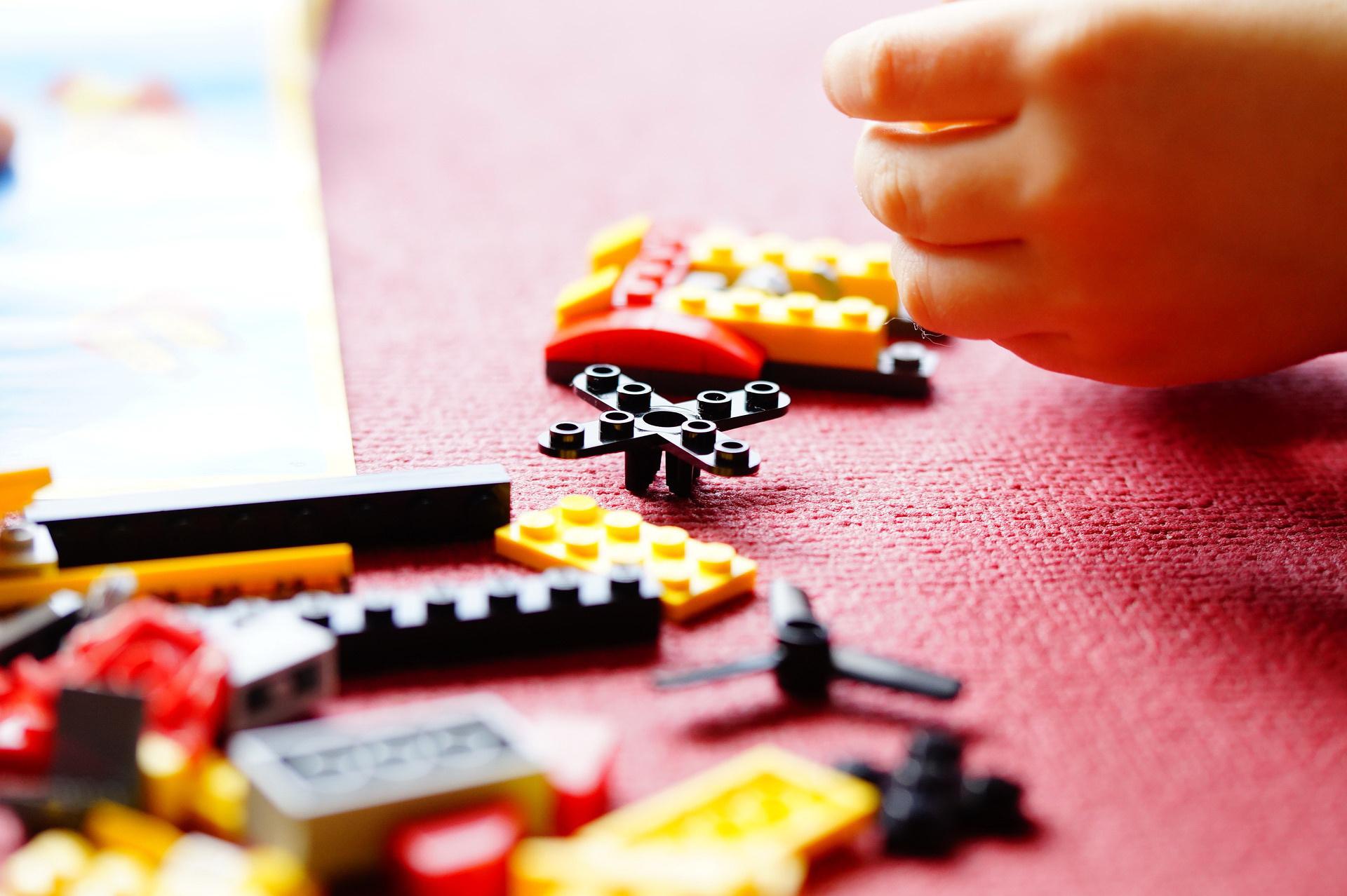 zagadki dla dzieci o zabawkach