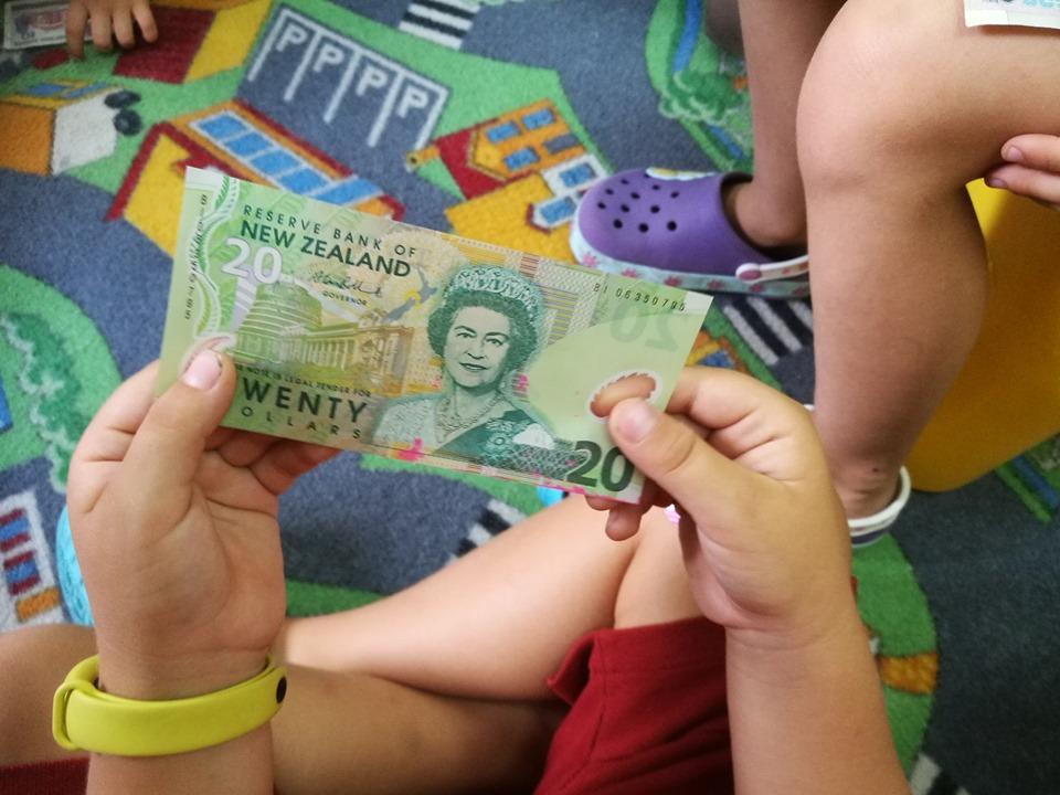 Przedsiębiorcze dzieciaki – czy istnieje maszynka do robienia pieniędzy?