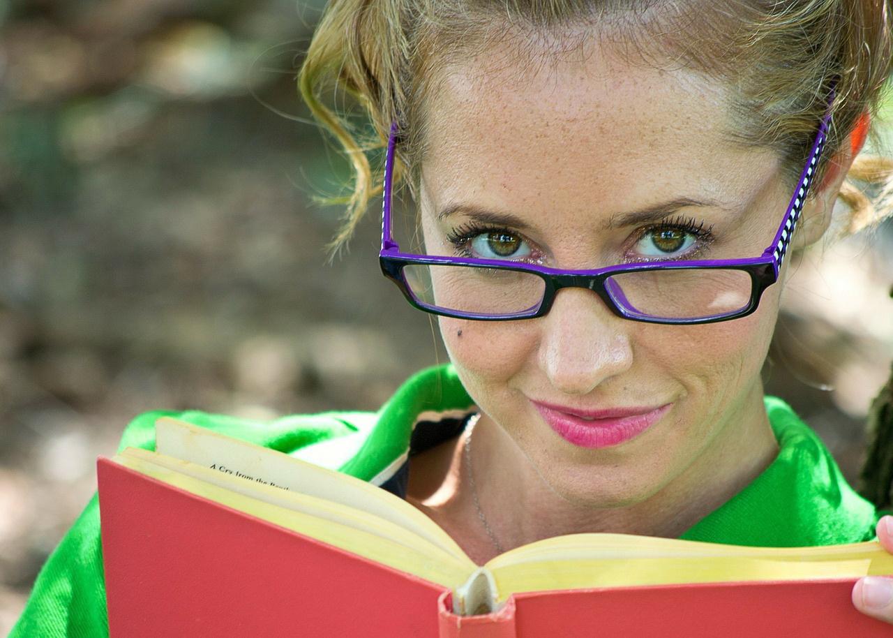 Zagadki dla dzieci o zawodach bibliotekarz