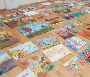 3245 prac w IX Ogólnopolskim Konkursie Plastycznym Pod Kolorowym Parasolem Jesieni