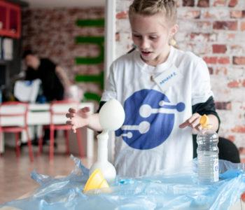 Jakie kompetencje będą niezbędne, aby kształtować ten świat i nim zarządzać za 20 lat? Warsztaty w Krakowie – nowa oferta dla dzieci