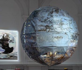 Globus mojej wyobraźni. Warsztaty z cyklu Co robi artysta? dla rodzin z dziećmi ze spektrum autyzmu