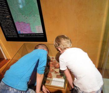 Warsztaty rodzinne w Muzeum Miejskim Wrocławia – Dzieckiem być… w starożytnym Rzymie!