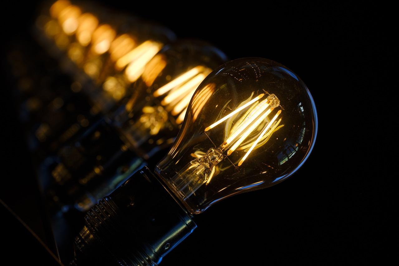 Niedziela z etnografią – aoprowadzanie po wystawie: Bez prądu. Z prądem. Bytom