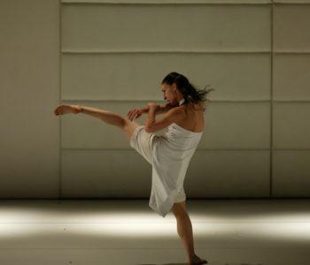 Taniec Współczesny – warsztaty z Anną Sufrydą