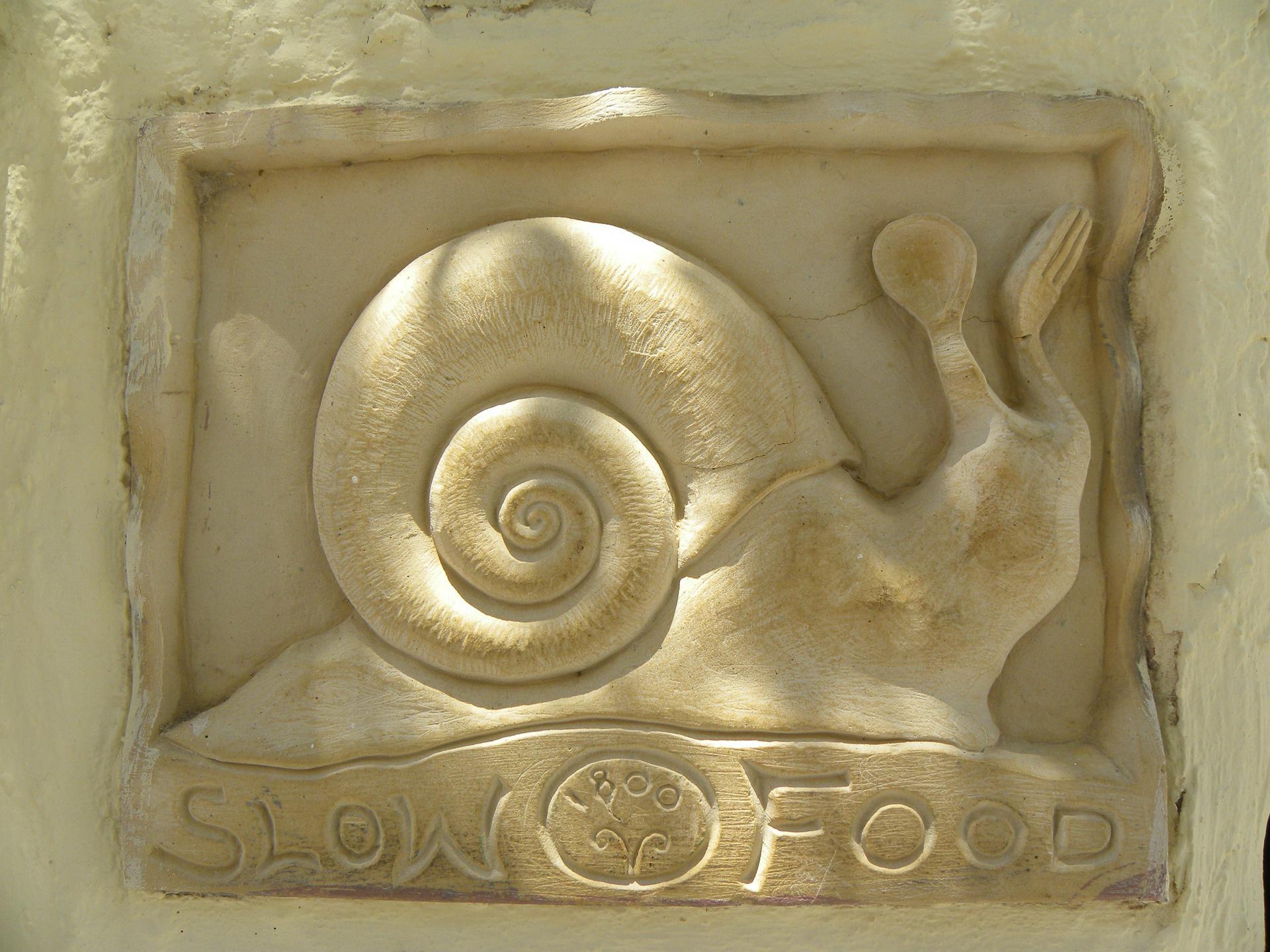 Śmieszna zagadka o jedzeniu ślimaków, zagadki dla dzieci z odpowiedziami