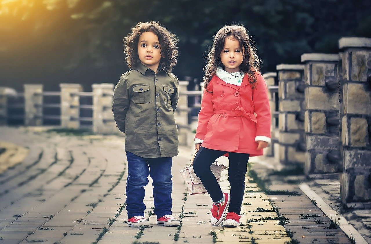 Czy można ubrać dziecko modnie i tanio?
